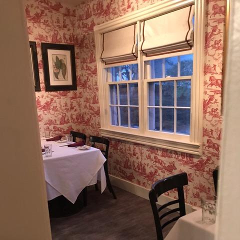 interior red wallpaper